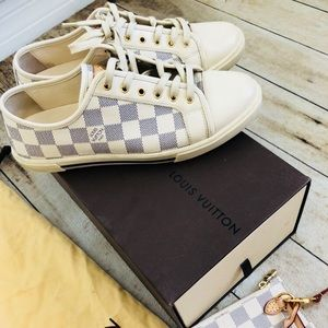 🍂🍂Authentic Louis Vuitton Shoes Size 8